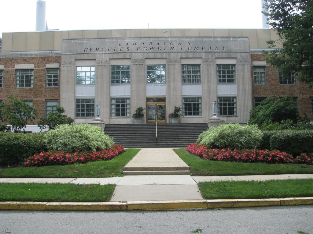 Picture of outside of Ashland Laboratory building in Wilmington, Delaware